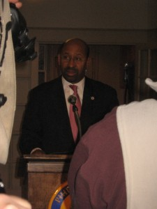 Mayor Nutter speaks to the press, developers, and Redevelopment Authority staff